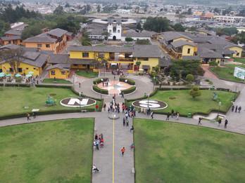 Quito, a cidade que divide o mundo.