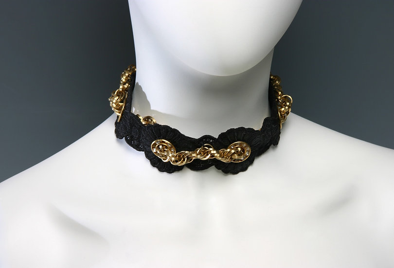 BLACK CHOKER WITH CHAIN