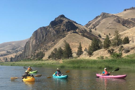 Kayaking down the John Day River