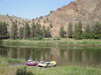 Rafting down the John Day River