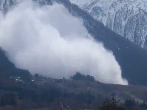Vidéo. Spectaculaire avalanche dans les Alpes françaises