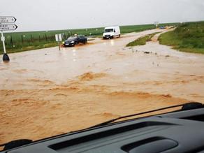 Images. Inondations, routes coupées, automobilistes bloqués après de violents orages