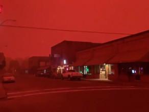 Incendies en Oregon : ciel rouge feu en pleine journée !