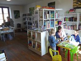 bibliothéque (1).JPG