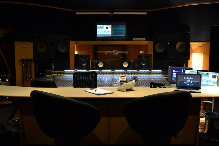 Studio Master - Control Room