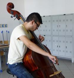 Hugo Soto, contrabbasso