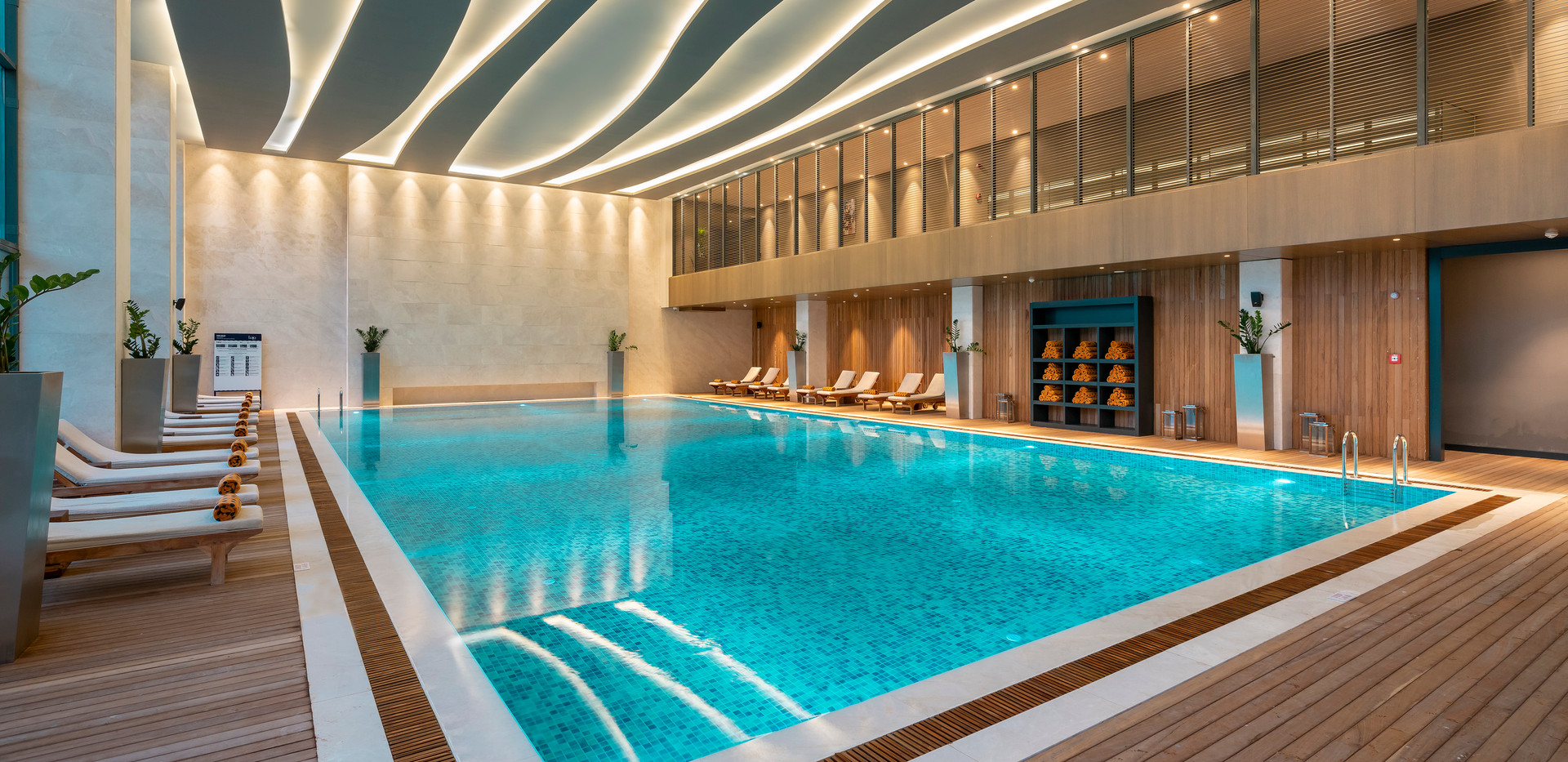 Indoor Pool - 02.jpg