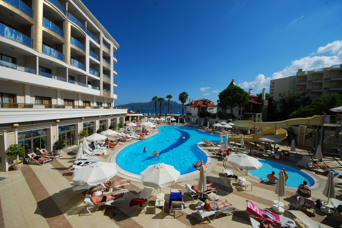 golden-rock-beach-hotel-17-Custom.jpg