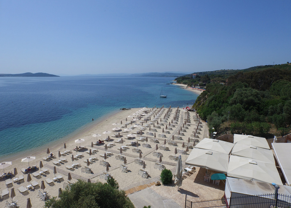 aristoteles_hotel_beach-bar.jpg