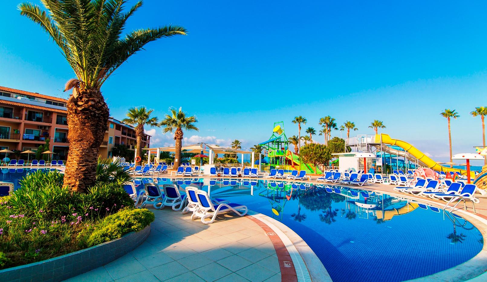doris_Ephesia_Holiday_Beach3.jpg