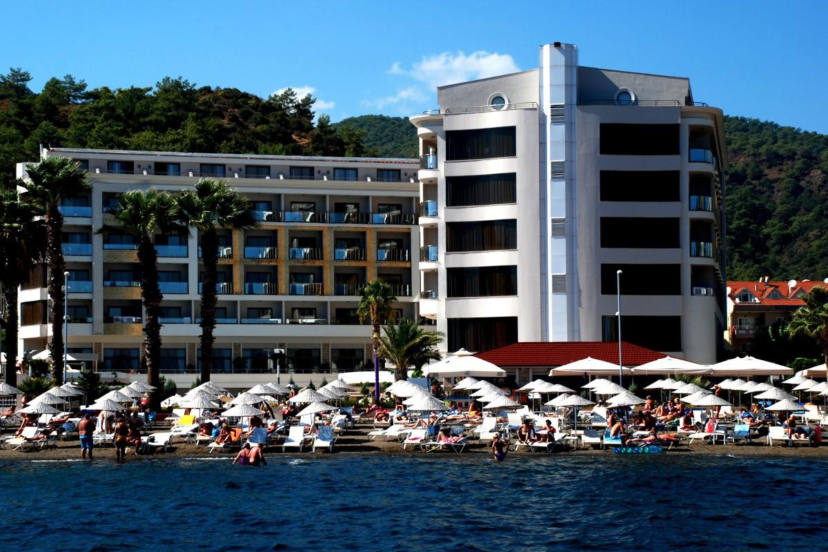 golden-rock-beach-hotel-28-Custom.jpg