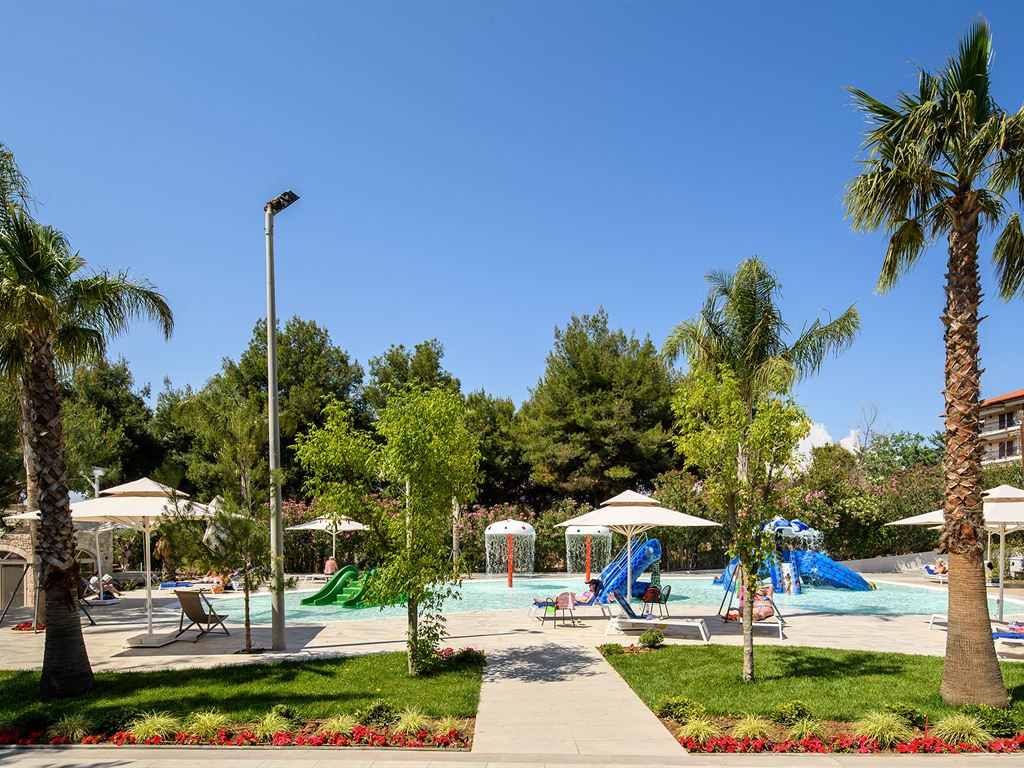 96_portes-beach-hotel_146528.jpeg