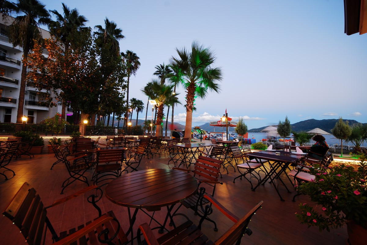 golden-rock-beach-hotel-10-Custom.jpg