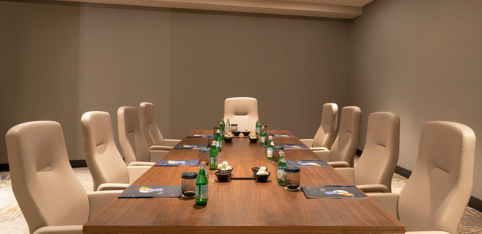 Meeting Room - 06.jpg