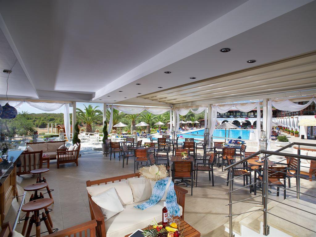 878_blue-dolphin-hotel_150451.jpeg