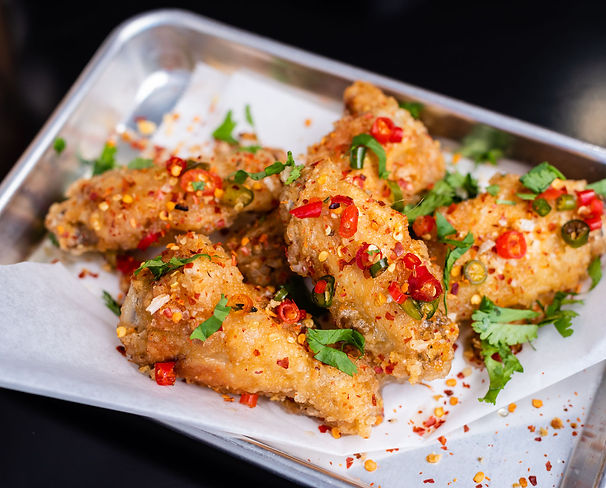 Cover_KEEKSeggrollWings_Viet_spice_wings