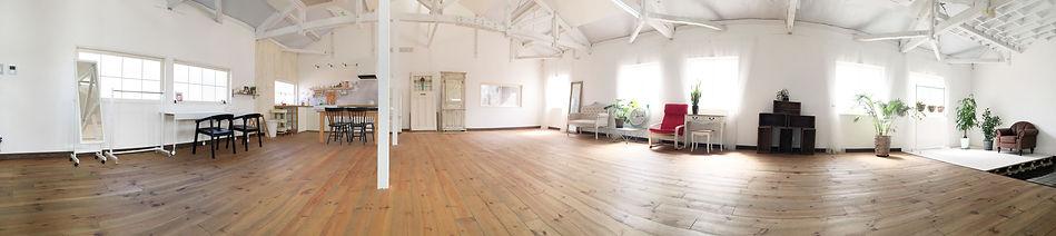 白壁 広い キッチン