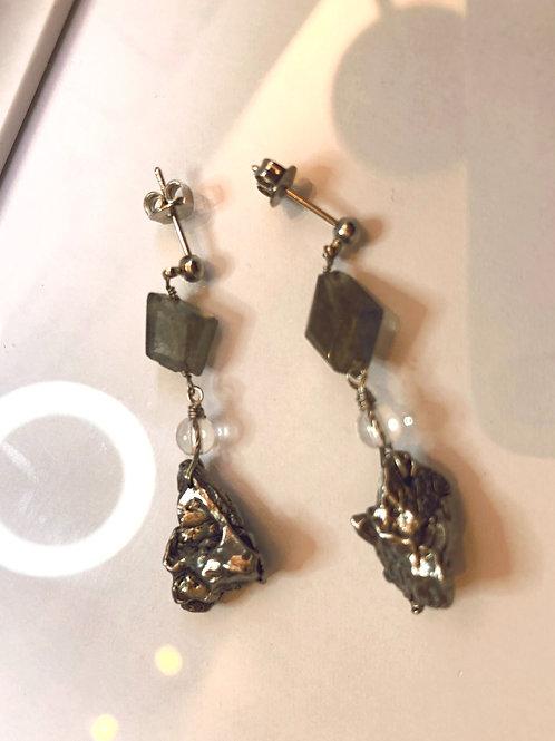 隕石と水晶、ラブラドライトのピアス