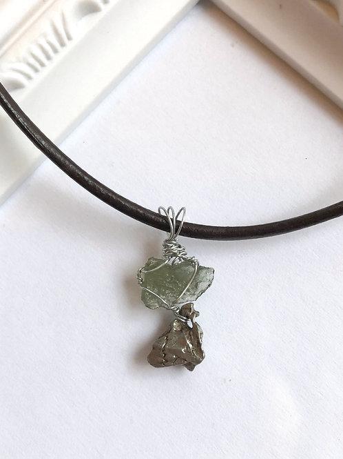 隕石(Campo del Cielo)とモルダバイトのペンダントヘッド