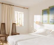 beach-side-room-hurricane-hotel-tarifa-freeridetarifa-600x500.jpg