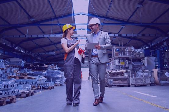 manager-supervisor-industrial-worker-uni