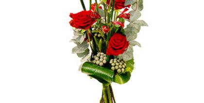 Bouquet plein de charme rose rouge prêle