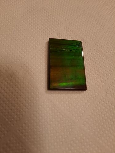 ammolite gemme nacre irisée pierre semi précieuse bijou