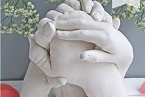 edinburgh-cast_children_family_hand_body