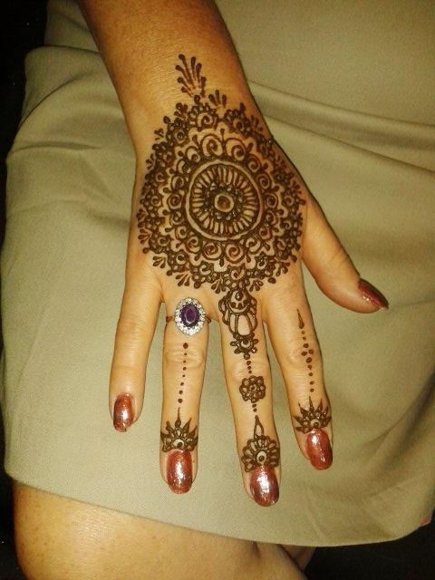 sacred henna artist nottingham