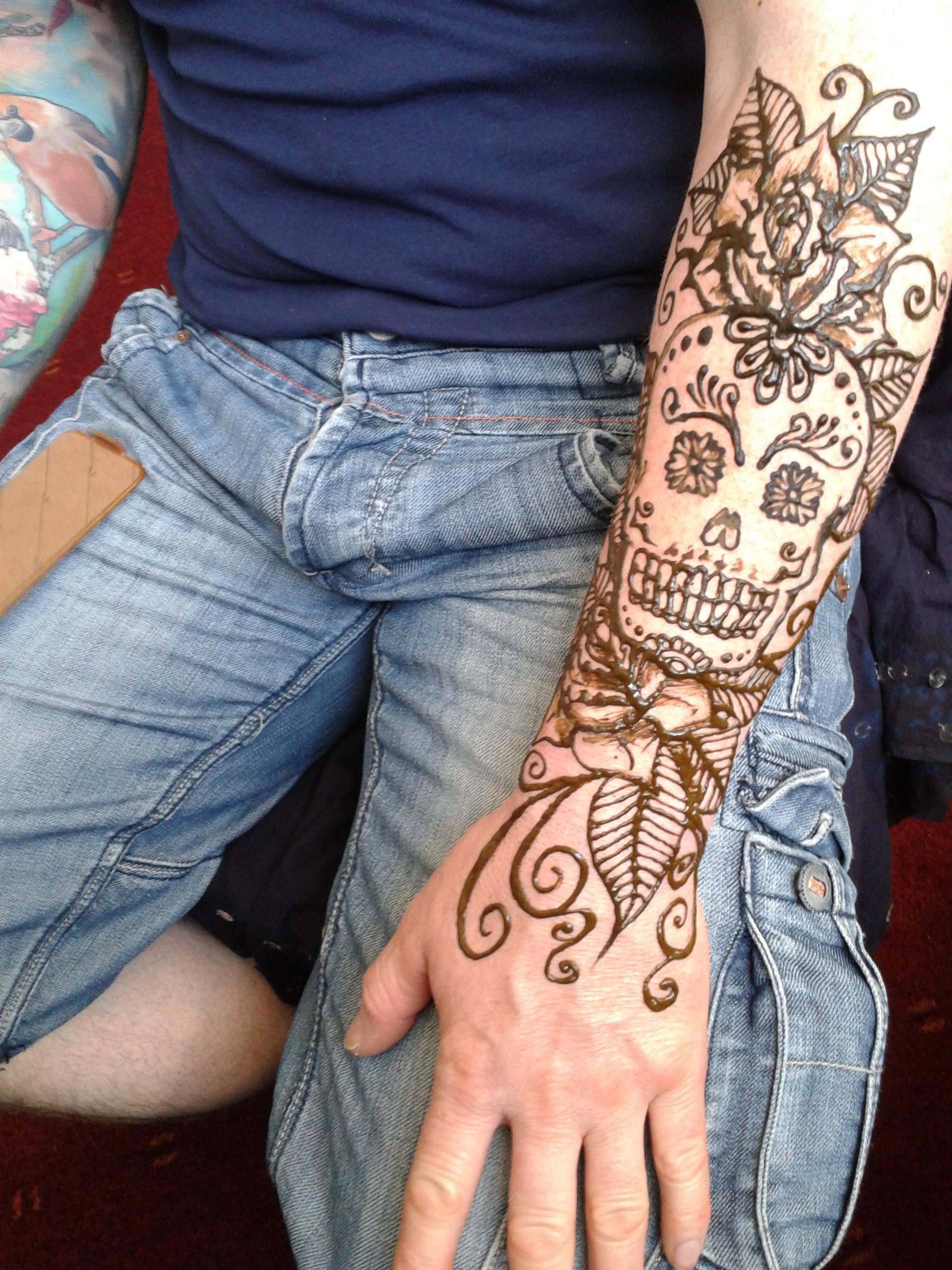 contemporary henna artist