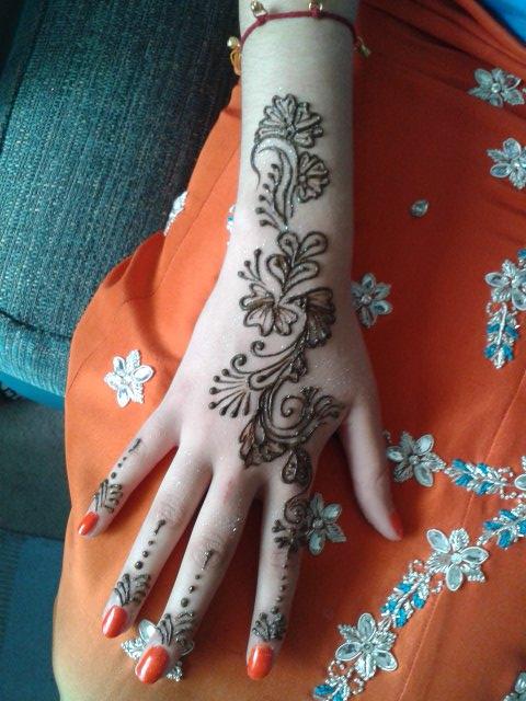 sacred henna artist belper