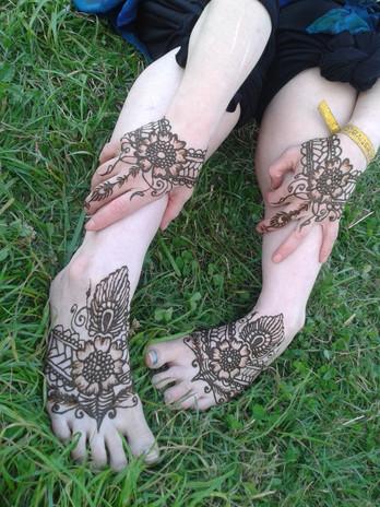ALTERNATIVE BRIDAL HENNA