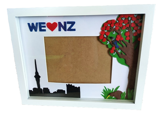 """We Love NZ"" photo frame"