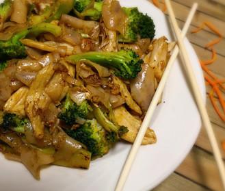 Pad See Ewe (Pan-Fried Noodles)