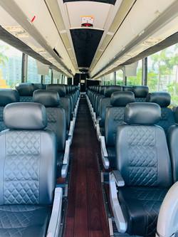 Aventura Limo LUX Coach