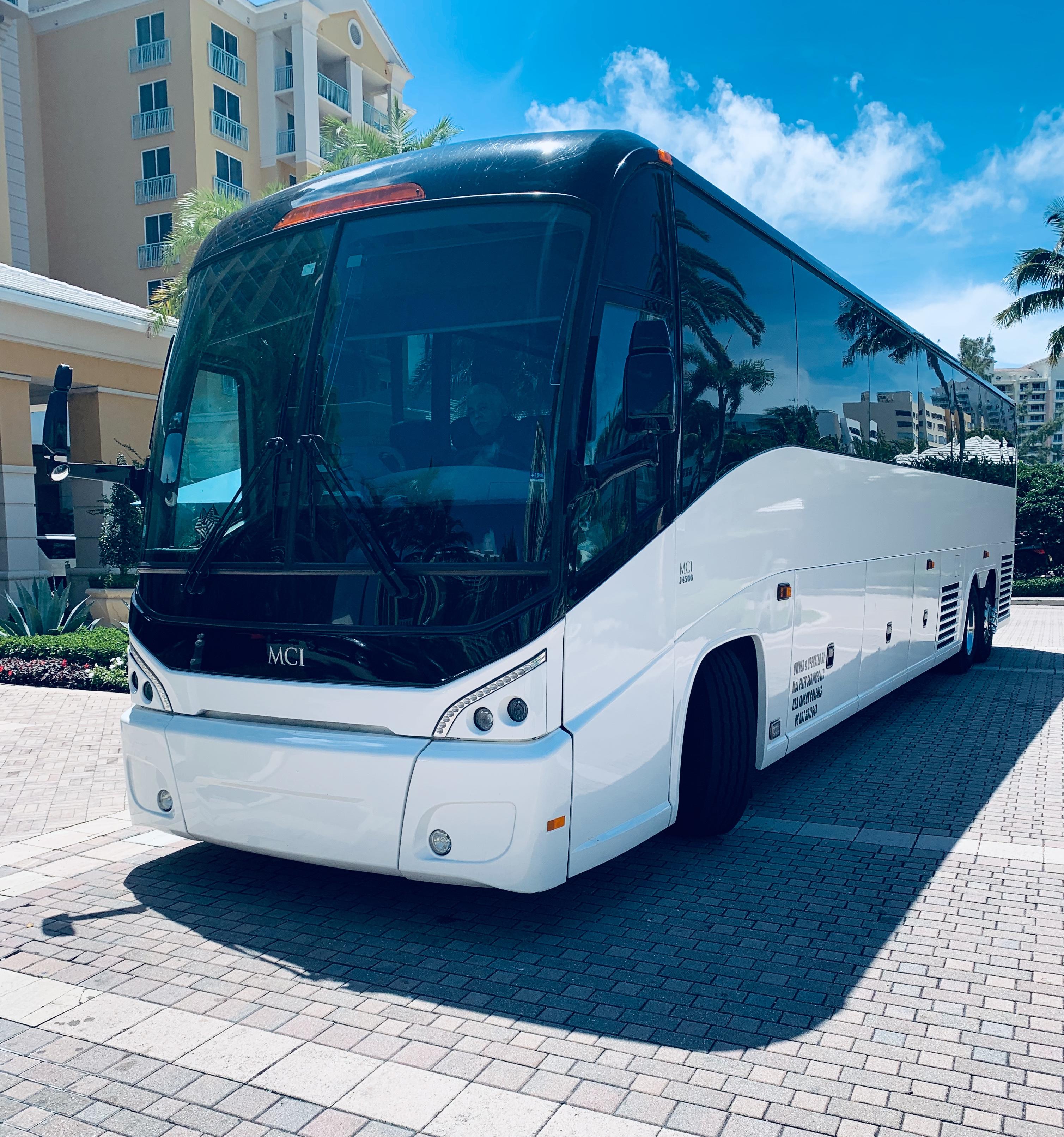 MIARide LUX Coach