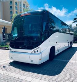AventuraRide LUX Coach