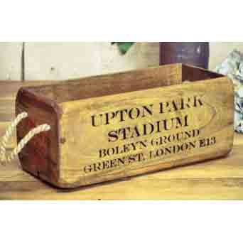 WOODEN BOX SMALL UPTON PARK