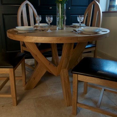 FRENCH OAK ROUND TABLE