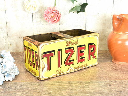 WOODEN PAINTED MED BOX TIZER