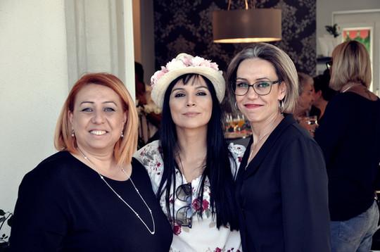 Sevcan und Nurcan mit Marcella.jpg