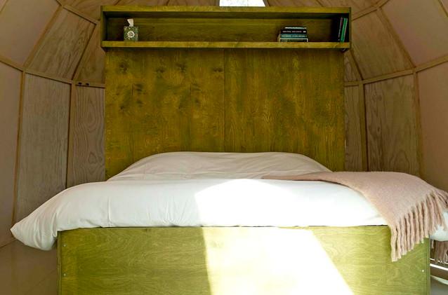 Zeeuwse Oase_Cabin La Luna bed_lres.jpg