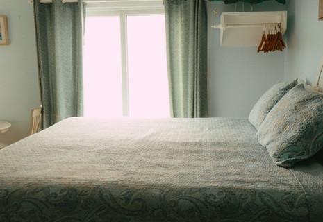 Oceanfront 1 King Bed