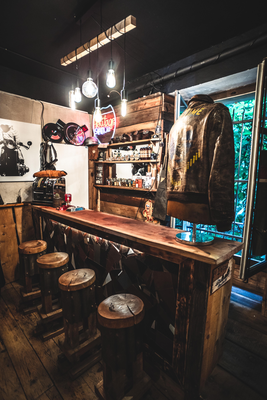 Bar à Cuir 2