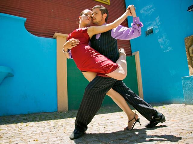 Tango para escuchar, mirar o bailar