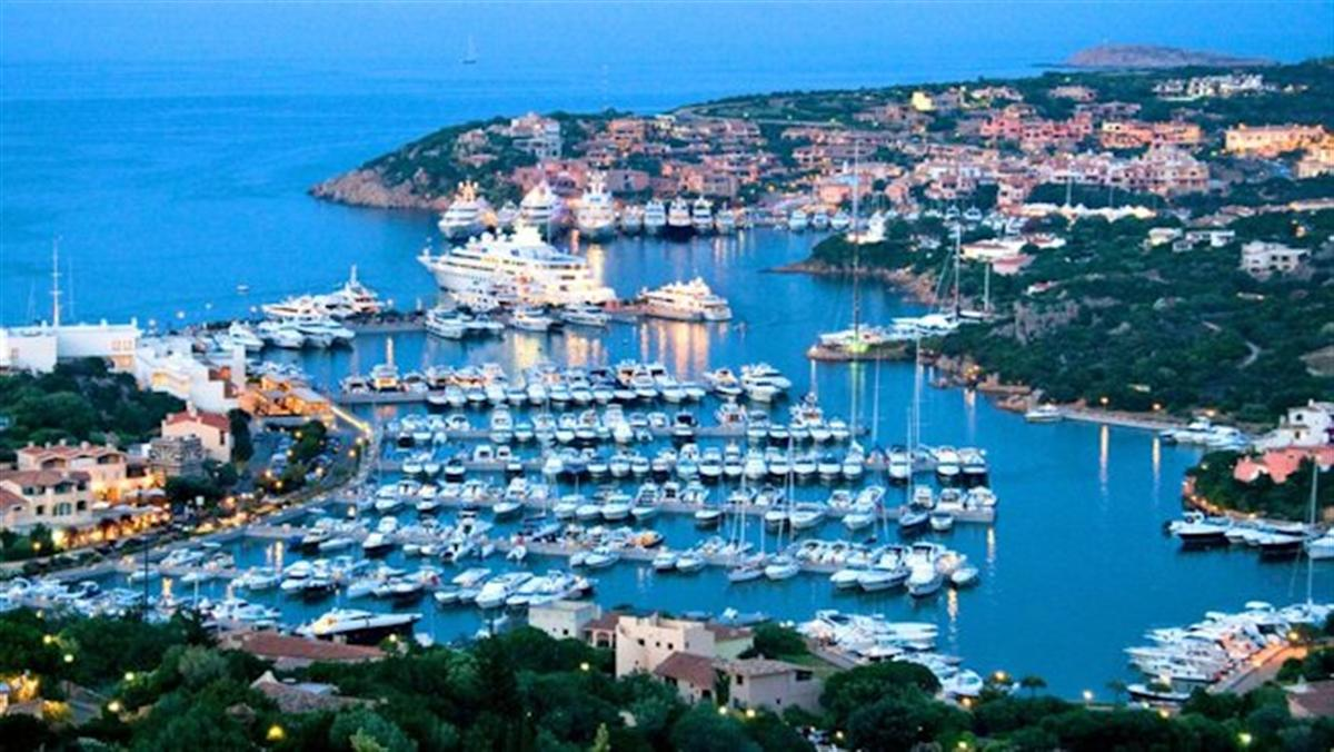 Costa-Smeralda-yachts-evening-aerial