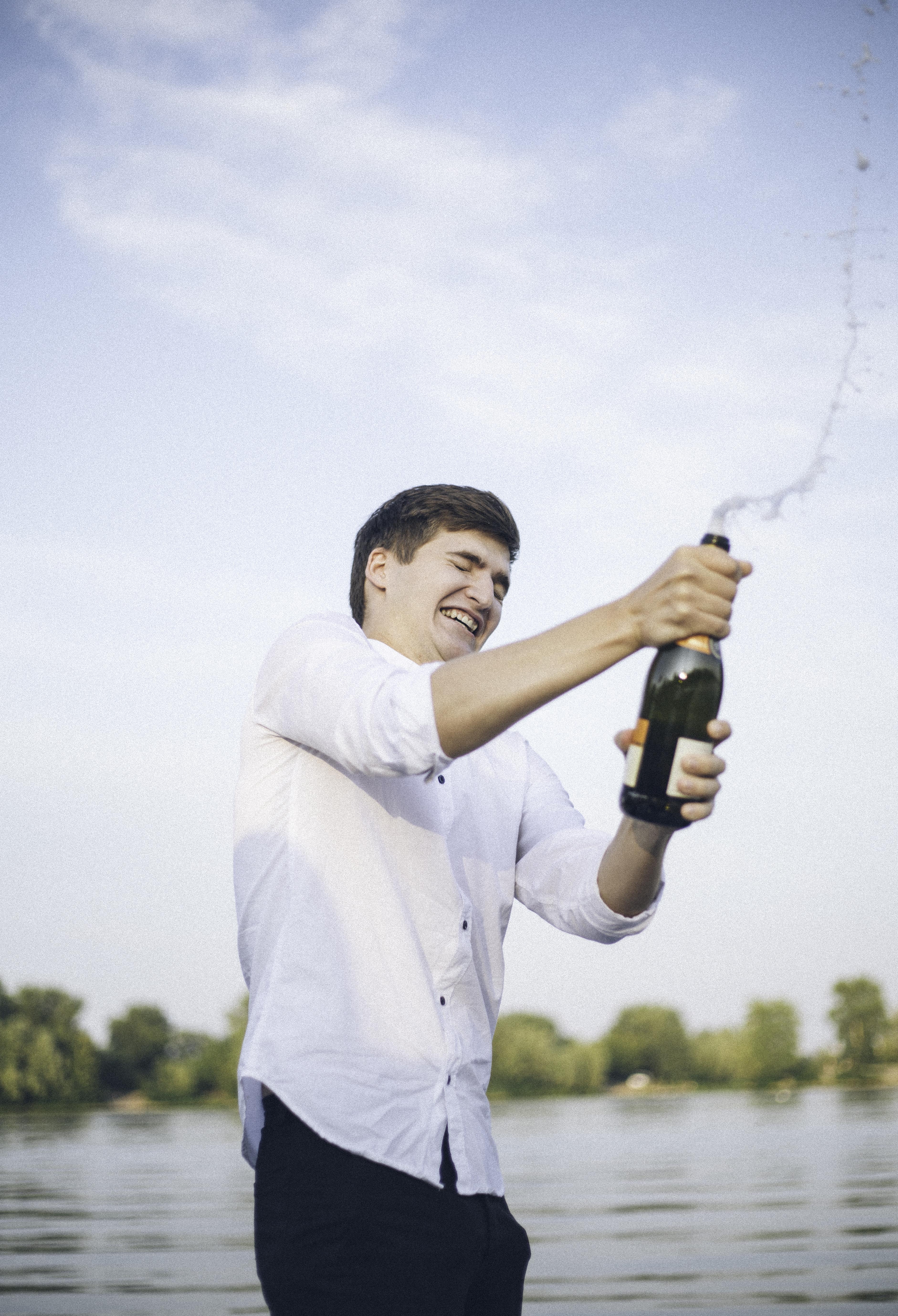Прогулка на яхте с шампанским