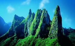 La_Diademe_Mountain_Peaks_Tahiti