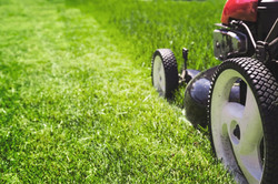 lawn-mower-PQYCQ4J-1024x683
