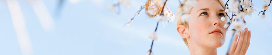 Breite Blumen rührend